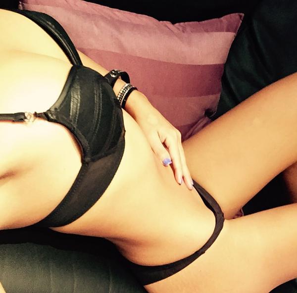 blogs/katy-kat/attachments/11751-os-dejo-de-regalito-mis-selfie-nuevos-me-facina-el-sexo-oral-tanto-darlo-como-recibir-image.jpg
