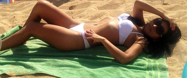 blogs/katy-kat/attachments/8855-hola-chicos-selficito-playa-mar-y-sol-tope-image.jpg